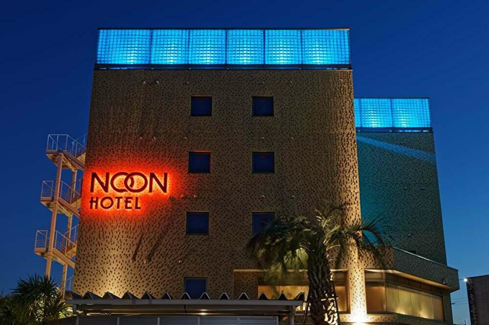 ホテルNOONの外観
